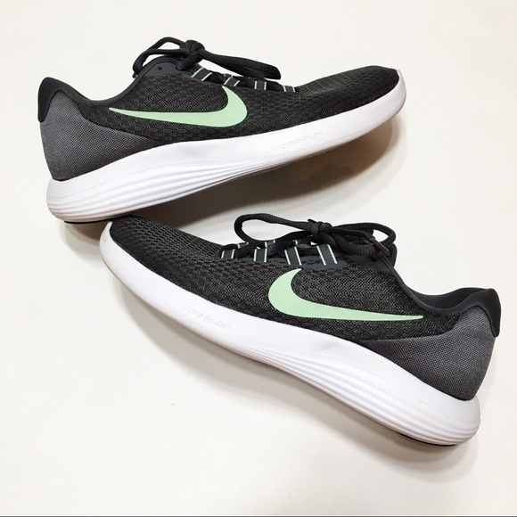 d16756fbfb172 Nike Lunar Converge Women s Running Shoes. M 5b6bdc305fef37975d6bf557